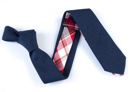 La cravate Dyptique en particulier et toutes les cravates de la marque (toutes de très bon goût)